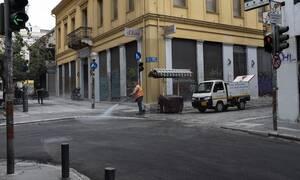 Κορονοϊός: Γενικό lockdown στα 2.000 κρούσματα - Στο τραπέζι και το «απαγορευτικό» στα ταξίδια