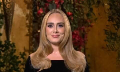 Adele: H 32χρονη τραγουδίστρια έκανε νέα εμφάνιση και ήταν μια καλλονή
