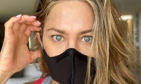 Δες τη Jennifer Aniston να ποζάρει αμακιγιάριστη