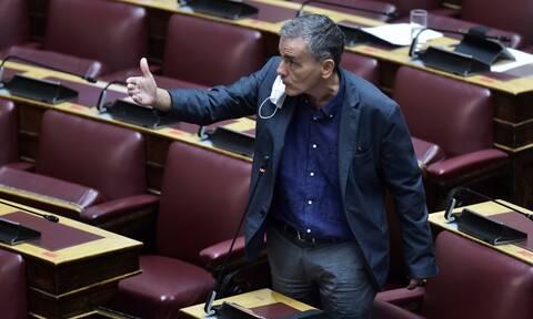 Πρόταση δυσπιστίας - Τσακαλώτος: Έγιναν πλειστηριασμοί επί ΣΥΡΙΖΑ αλλά δεν ήταν πρώτης κατοικίας