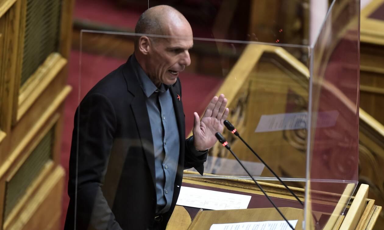 Πρόταση μομφής - Βαρουφάκης: Έκτρωμα ο πτωχευτικός νόμος - Αποχώρησε το ΜεΡΑ 25 από την Βουλή
