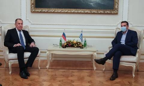 Συνάντηση Τσίπρα - Λαβρόφ: Άμεσος τερματισμός της τουρκικής επιθετικότητας