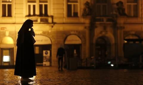 Κορονοϊός: Καμπανάκι ΠΟΥ! Η Ευρώπη πρέπει να «επιταχύνει σοβαρά» τους ρυθμούς στη μάχη κατά του ιού