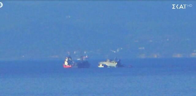 Θρίλερ στον Πειραιά με σύγκρουση πλοίων