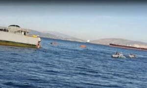 Πλοίο του Πολεμικού Ναυτικού συγκρούστηκε με εμπορικό: 21 άτομα στη θάλασσα - 2 τραυματίες
