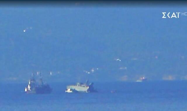 Τα δύο πλοία συγκρούστηκαν λίγο μετά τις 07:30 το πρωί
