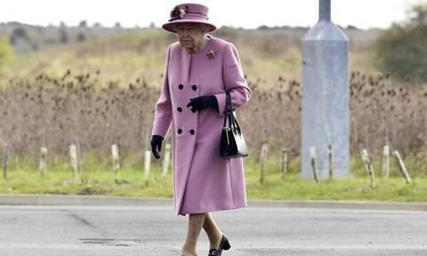 Η Βασίλισσα προσλαμβάνει: Τα προσόντα για να πάρεις τη δουλειά στο παλάτι