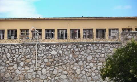 Κρούσματα σήμερα - Ειδήσεις: Συναγερμός στην Κέρκυρα με οκτώ θετικά τεστ στις φυλακές