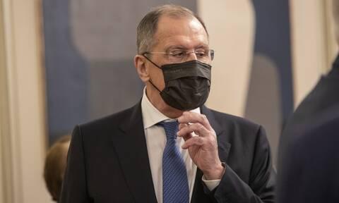 Σε καραντίνα ο Σεργκέι Λαβρόφ μια μέρα μετά το ταξίδι του στην Αθήνα