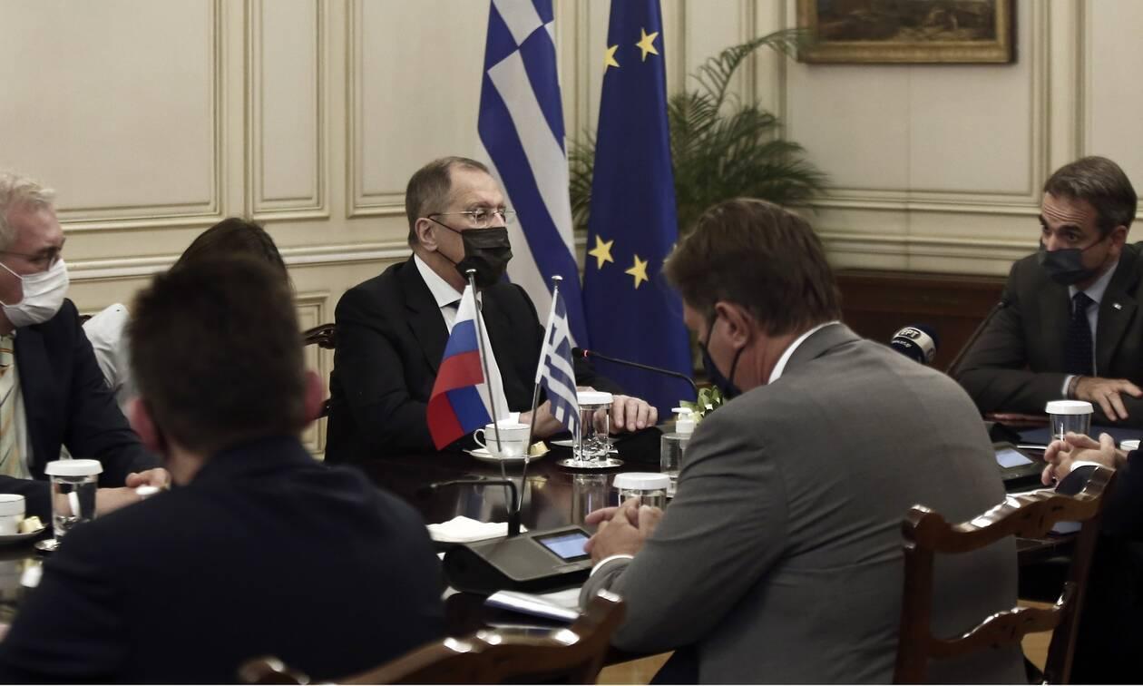 Ικανοποίηση στην Αθήνα από την επίσκεψη Λαβρόφ - Τι λένε διπλωματικές πηγές
