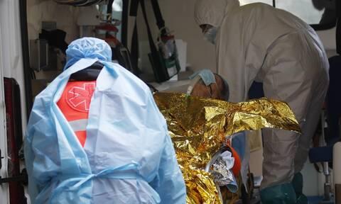 Κορονοϊός - Ξεφεύγει πάλι η κατάσταση στην Ιταλία: 221 νεκροί και 21.994 κρούσματα