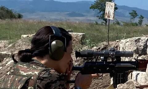 Ναγκόρνο - Καραμπάχ: Στα «χακί» η σύζυγος του Αρμένιου πρωθυπουργού