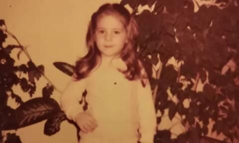 Αναγνωρίζετε την Ελληνίδα ηθοποιό της φωτογραφίας;