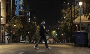 Lockdown: Ένα βήμα πριν την απόφαση ο Μητσοτάκης – «Τρομάζουν» τα κρούσματα