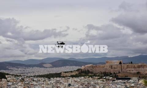 28η Οκτωβρίου: «Πλημμύρισε» ο ουρανός από ελικόπτερα και μαχητικά - Εντυπωσιακές εικόνες