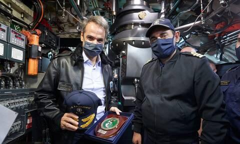 Στο υποβρύχιο «Κατσώνης» ο Κυριάκος Μητσοτάκης: «Είστε οι αόρατες και αθόρυβες ασπίδες μας»
