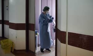 Κορονοϊός: Επτά νεκροί μέσα σε λίγες ώρες - Μεγαλώνει η «μαύρη» λίστα