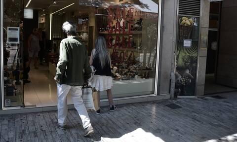 Ενδιάμεσες εκπτώσεις: Ποια Κυριακή είναι ανοιχτά τα μαγαζιά