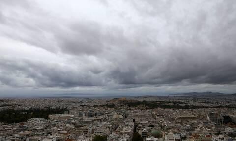 Καιρός: Επιμένουν οι βροχές και οι καταιγίδες - Πώς θα κινηθεί η «Κίρκη» τις επόμενες ώρες