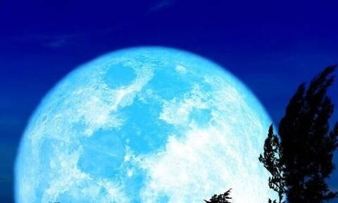 Η Πανσέληνος της 31ης Οκτωβρίου φέρνει όλα τα σπάνια, τα παράξενα και τα ανάποδα