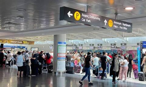 Κύπρος: Φεύγουν άρον άρον οι Βρετανοί από τα ξενοδοχεία - Τρέχουν να προλάβουν την καραντίνα