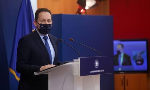 Πέτσας για Τσίπρας: Είναι τόσο το άγχος του, που έκανε δήλωση πριν ακούσει τον πρωθυπουργό