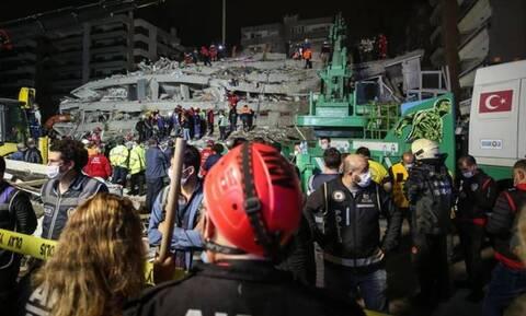 Σεισμός Τουρκία: Τιτάνιες προσπάθειες για την ανάσυρση των εγκλωβισμένων - Τουλάχιστον 24 νεκροί