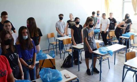 Κορονοϊός - Νέα μέτρα: Τι θα ισχύει για τις Εκκλησίες και τα σχολεία