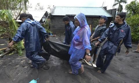 Φιλιππίνες: Τυφώνας σάρωσε τα πάντα – Τέσσερις νεκροί και 345.000 άστεγοι (vids+pics)