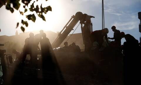 Σεισμός Τουρκία: Λιγοστεύουν οι ελπίδες για επιζώντες - Τουλάχιστον 62 νεκροί (pics+vid)