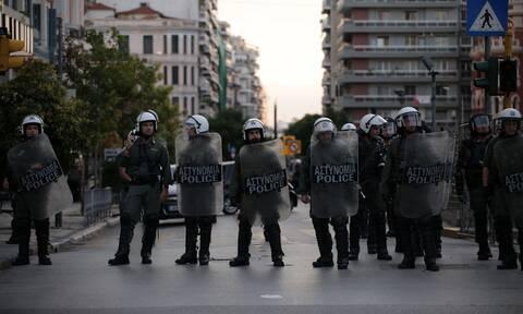 Γαλάτσι: Αντιδράσεις για την επιχείρηση των ΜΑΤ σε καφετέρια - Τι καταγγέλλουν ΣΥΡΙΖΑ, ΜέΡΑ 25