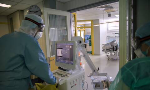 Νίτσας στο Newsbomb.gr: Στο 80% η πληρότητα στις ΜΕΘ - Πλησιάζει στα όριά του το Σύστημα Υγείας