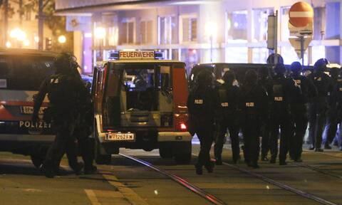 Βιέννη: Πληροφορίες για ομήρους σε εστιατόριο την ώρα της αιματηρής επίθεσης