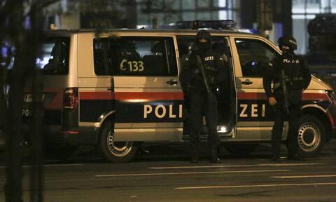 Επίθεση στην Αυστρία: Δείτε σε βίντεο τη «μάχη» στη Βιέννη (ΣΚΛΗΡΕΣ ΕΙΚΟΝΕΣ)