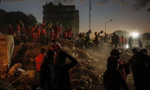 Τουρκία: Στους 100 οι νεκροί από τον σεισμό των 6,7 Ρίχτερ - Σχεδόν 1.000 οι τραυματίες