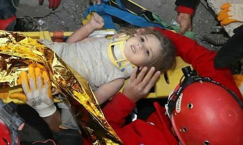 Σεισμός - Σμύρνη: Θαύμα στα ερείπια - Έβγαλαν ζωντανή 4χρονη μετά από 91 ώρες