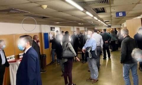Κορονοϊός: Συνωστισμός στις δικαστικές αίθουσες την πρώτη μέρα εφαρμογής των νέων μέτρων