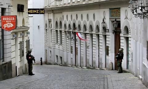 Βιέννη: Πόλη «φάντασμα» μετά την τρομοκρατική επίθεση - Κλειστό το 90% των καταστημάτων