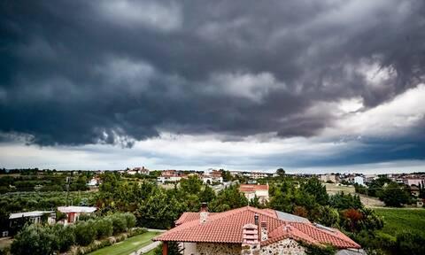 Καιρός σήμερα: Με συννεφιά και νέα πτώση θερμοκρασίας η Τετάρτη - Πού θα βρέξει