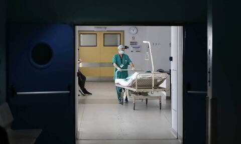 Κορονοϊός: Τραγωδία δίχως τέλος - Κατέληξαν 8 άτομα σε λίγες ώρες, στους 673 οι νεκροί στην Ελλάδα