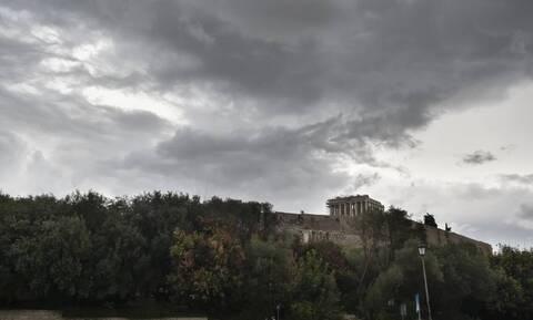 Καιρός: Νεφώσεις, τοπικές βροχές και πτώση της θερμοκρασίας την Πέμπτη (5/11)