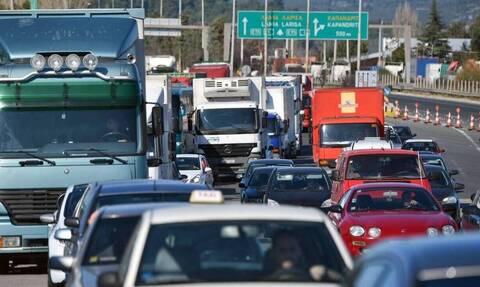 ΤΩΡΑ: Χάος στον Κηφισό - Τροχαίο ατύχημα προκάλεσε ουρές χιλιομέτρων