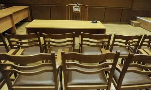 Κανονικά οι δίκες την Παρασκευή (6/11): Οι δικαστές ανέστειλαν τη στάση εργασίας λόγω lockdown