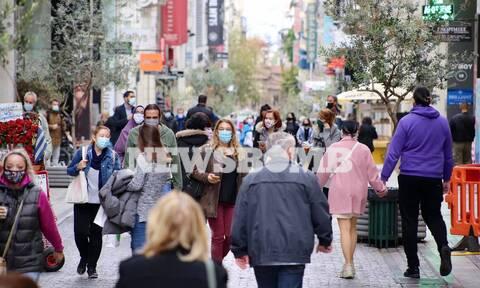 Lockdown: Απίστευτες ουρές στα μαγαζιά - «Βούλιαξε» η Ερμού - «Κόλαση» στους δρόμους