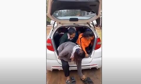 Πόσες γυναίκες χωράνε σε ένα αυτοκίνητο – Η απάντηση εδώ! (video)