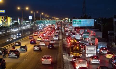 Congestion and heavy traffic at toll stations ahead of lockdown on Saturday morning