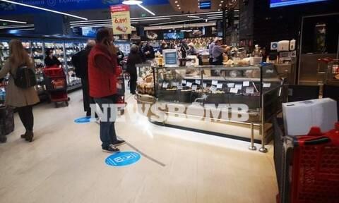 Lockdown - Ρεπορτάζ Newsbomb.gr: Αυξημένη η κίνηση στα σούπερ μάρκετ - Τι ψωνίζουν οι καταναλωτές