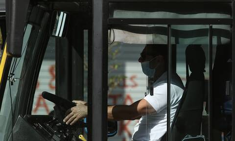 Lockdown: Ολα τα μέτρα για μετακινήσεις με ΜΜΜ, ΙΧ, ταξί, αεροπλάνα