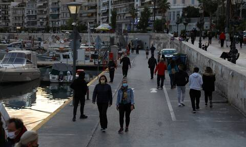 Κρούσματα σήμερα: Μολυσμένη όλη η Ελλάδα - Επικίνδυνη η κατάσταση σε Αθήνα, Θεσσαλονίκη, Λάρισα