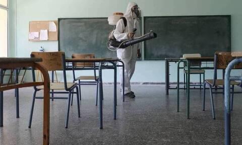 Lockdown - Σχολεία: Έτσι θα γίνεται από αύριο η μετακίνηση των μαθητών - Δείτε τι πρέπει να έχουν